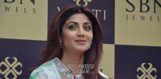 Shilpa Shetty inaugurates new jewellery store