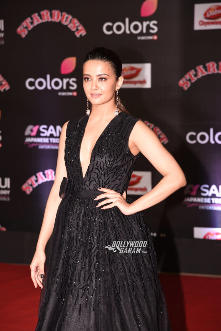 stardust-awards-surveen-chawla
