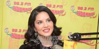 Sunny Leone Promotes Laila Main Laila from Raees on RadioMirchi
