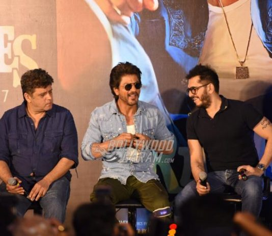 Shahrukh Khan launches trailer of Raees