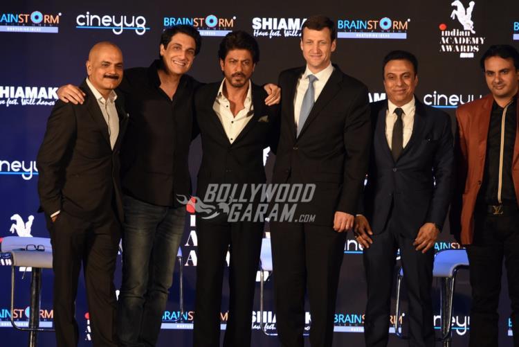 shahrukh-indian-academy4