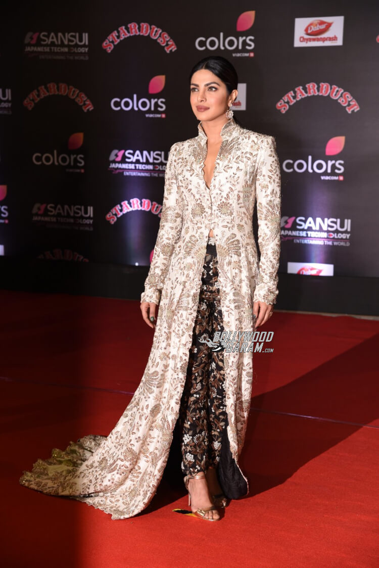 stardust-awards-priyanka-chopra