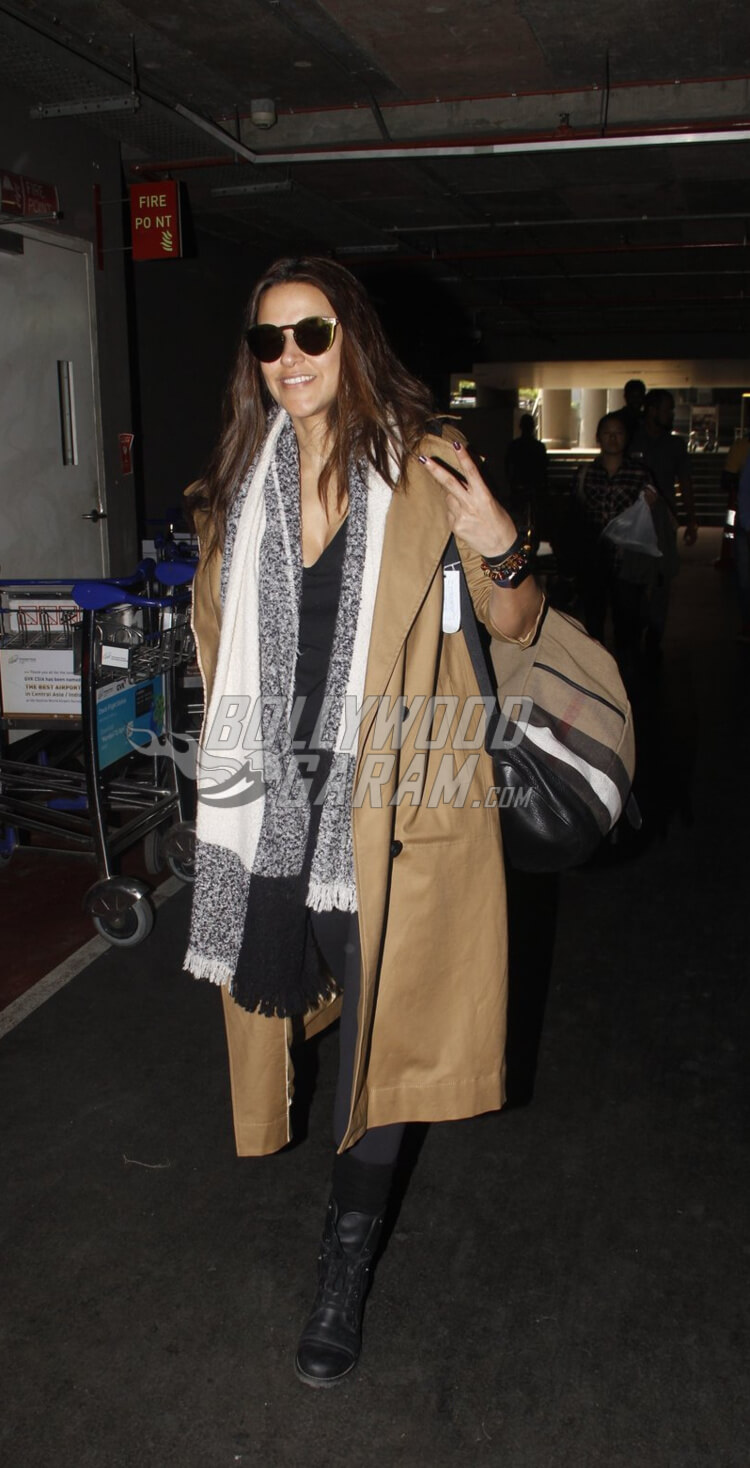 Airport-Fashion-Neha-Dhupia-15