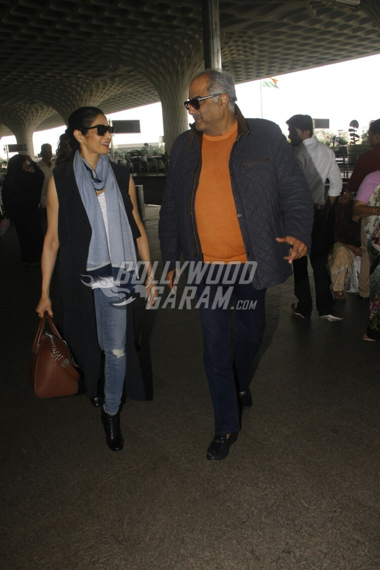 Airport-Fashion-Sridevi-with-Boney-Kapoor