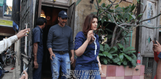 Akshay Kumar – Twinkle Khanna Spotted with Family at a popular restaurant in Bandra