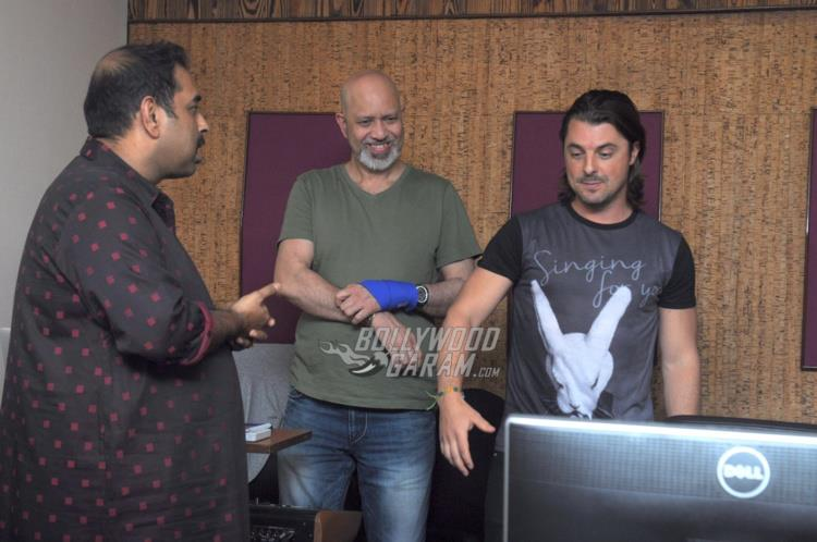 DJ axwell India4
