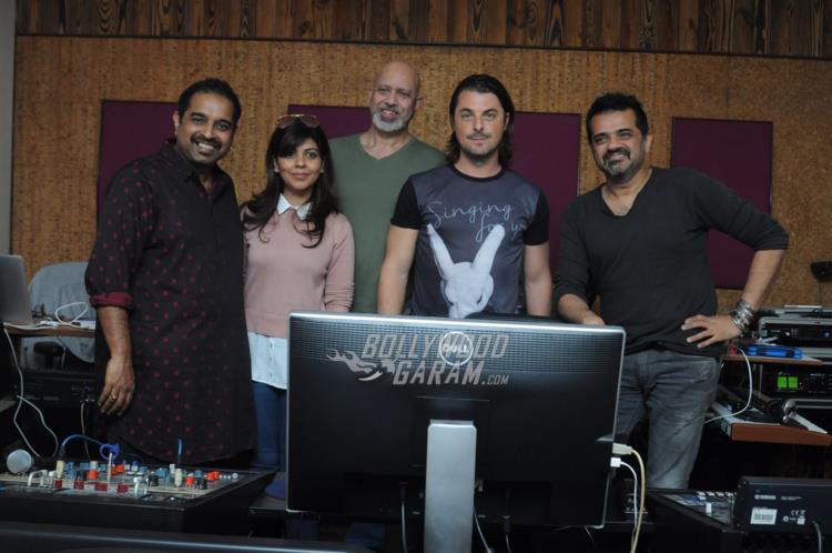 DJ axwell India5