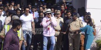 Jackie Chan Arrives at Mumbai Airport Today Morning!