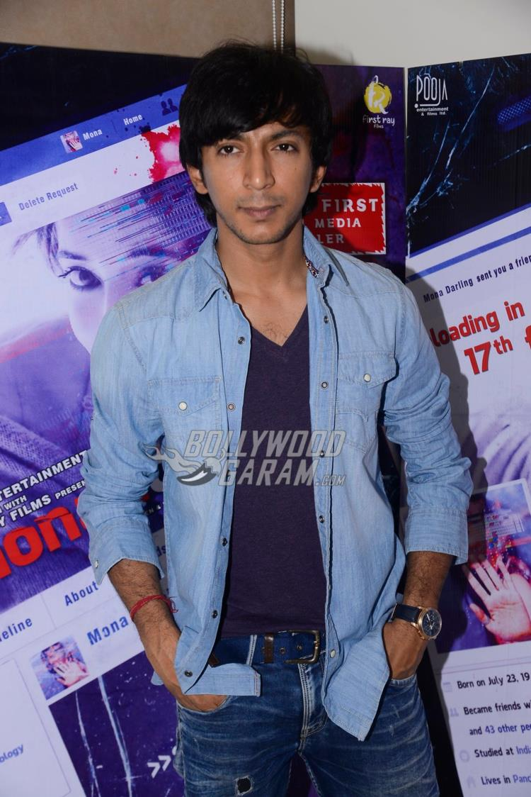 Anshuman Jha at Mona Darling promotions