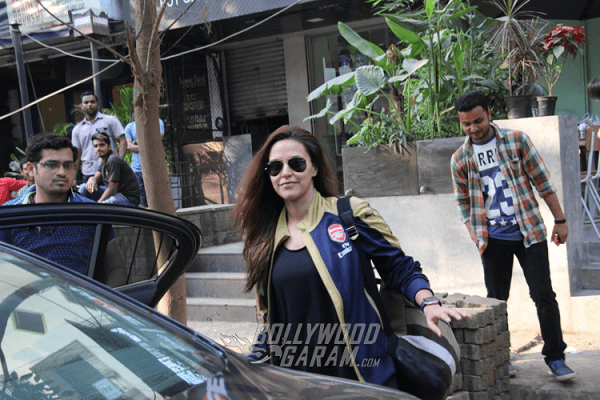 Neha-Dhupia-Bandra-Photos4