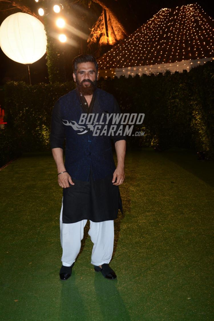 Suniel Shetty at at Ronnie Screwvala's daughter's reception