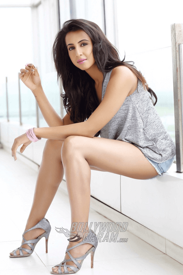 Sanjjana-Galrani-Photoshoot-Jan-19