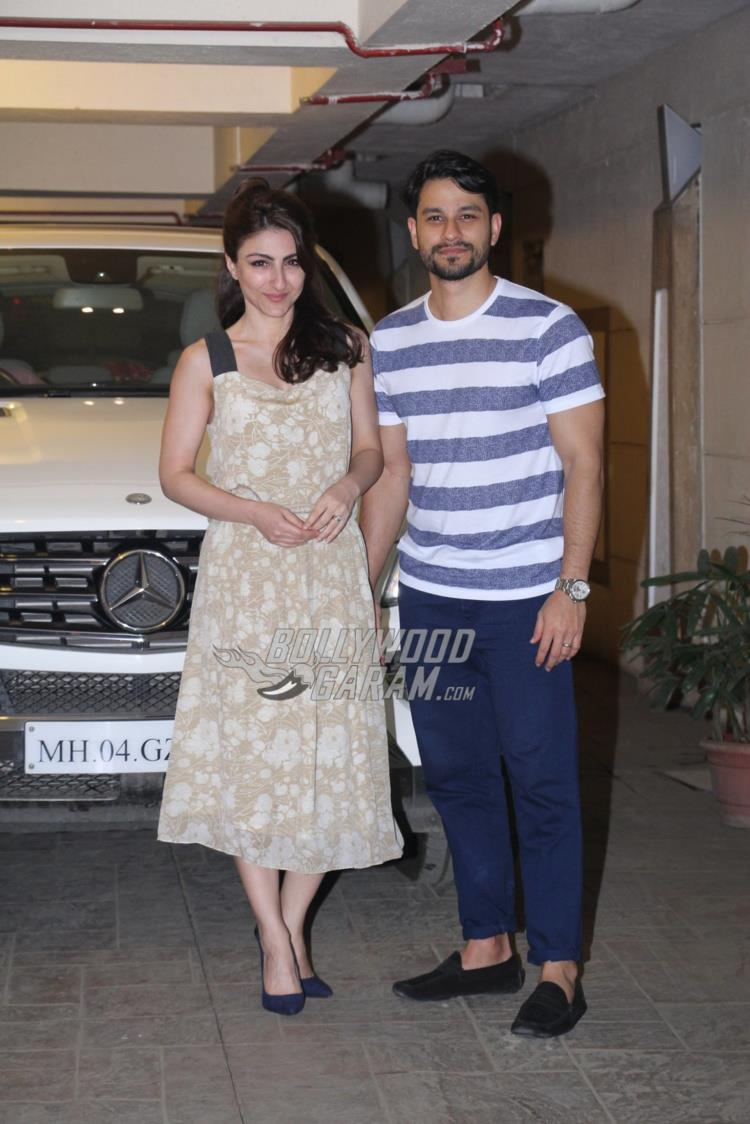 Soha Ali Khan and Kunal Khemu all smiles for photogs