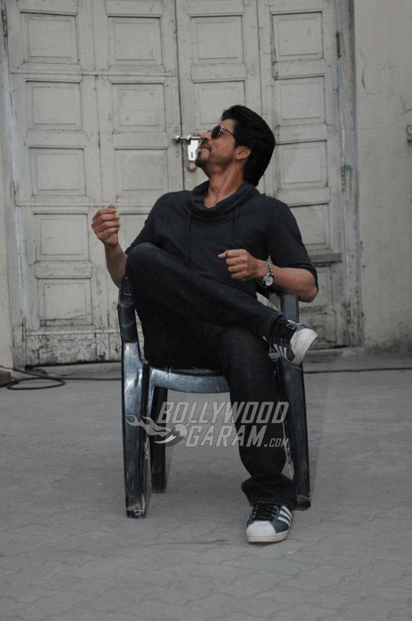 Shahrukh-Khan-Raees-Look-January-20172 (1) (1)