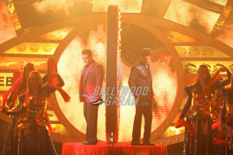 Shahrukh Khan and Salman Khan's Grand entry in Bigg Boss