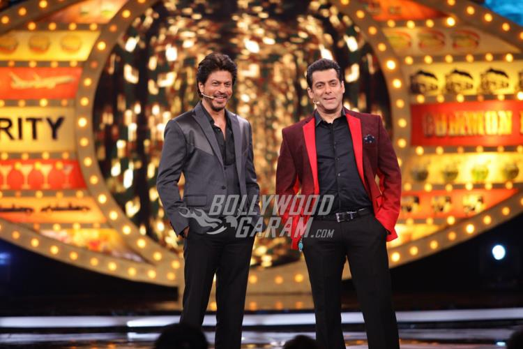 Shahrukh Khan promotes Raees on Bigg Boss 10