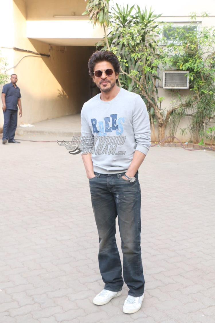 Shahrukh raees2