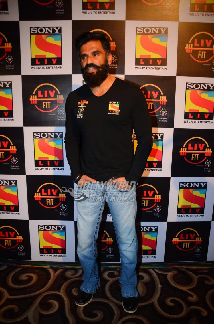 Suniel Shetty poses at Sony Liv Fitness event