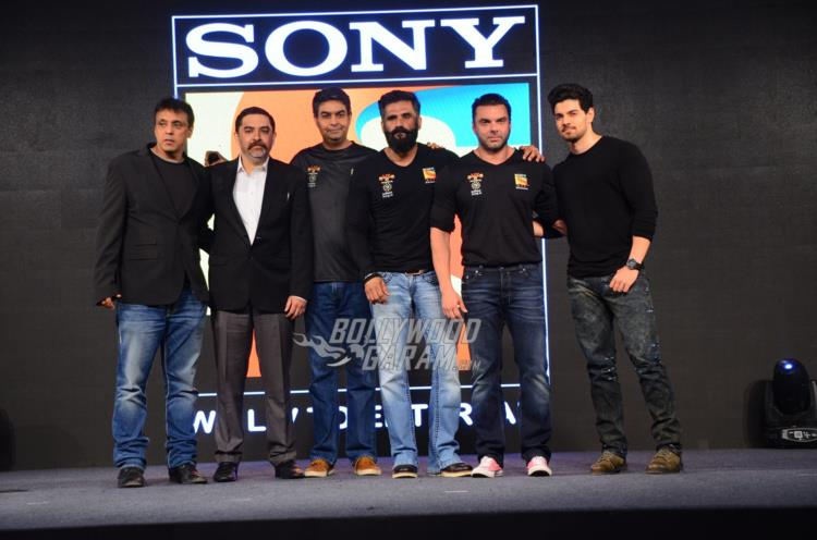 Suniel Shetty, Sohail Khan and Sooraj Pancholi on stage