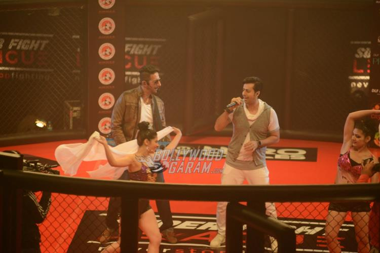 Salim Sulaiman Performing at Super Fight League
