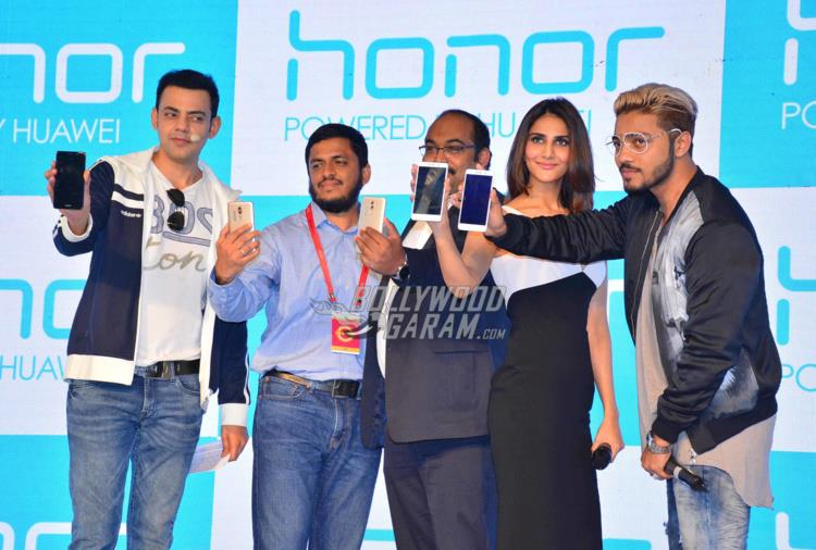 Vaani smartphone launch3