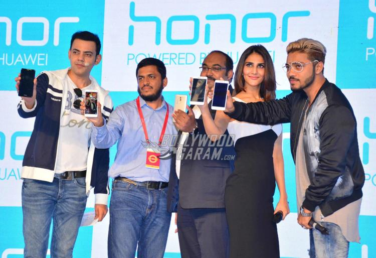 Vaani smartphone launch4