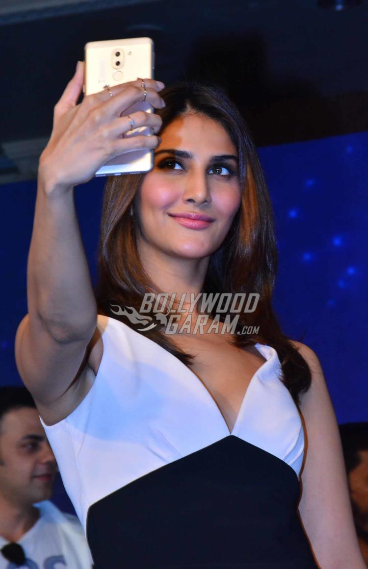 Vaani smartphone launch5