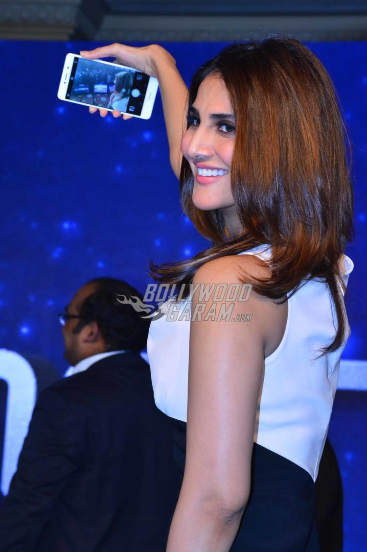 Vaani smartphone launch7