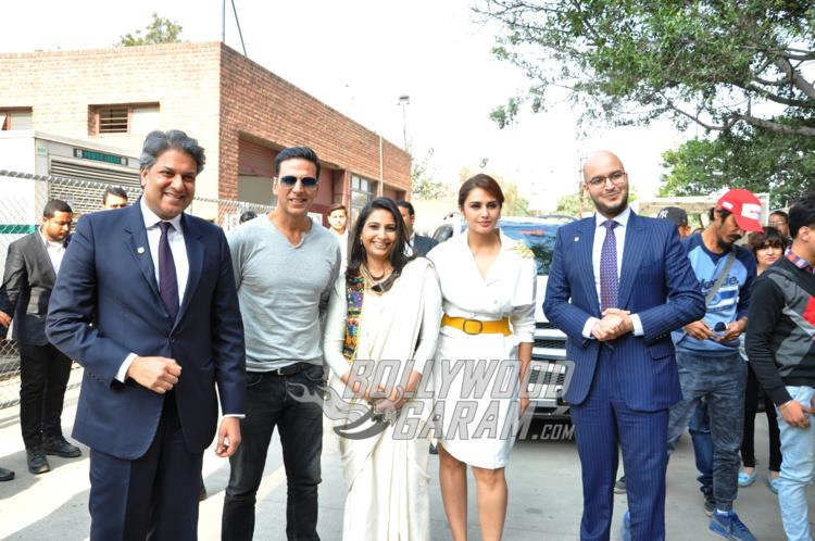 Akshay Kumar and Huma Qureshi with Dr. Aseem Chauhan, Ms. Divya Chauhan and Mr. Abhay Chauhan during Jolly LLB 2 promotions at Amity University Noida