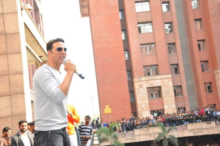 Akshay Kumar promotes Jolly LLB 2 at Amity University Noida