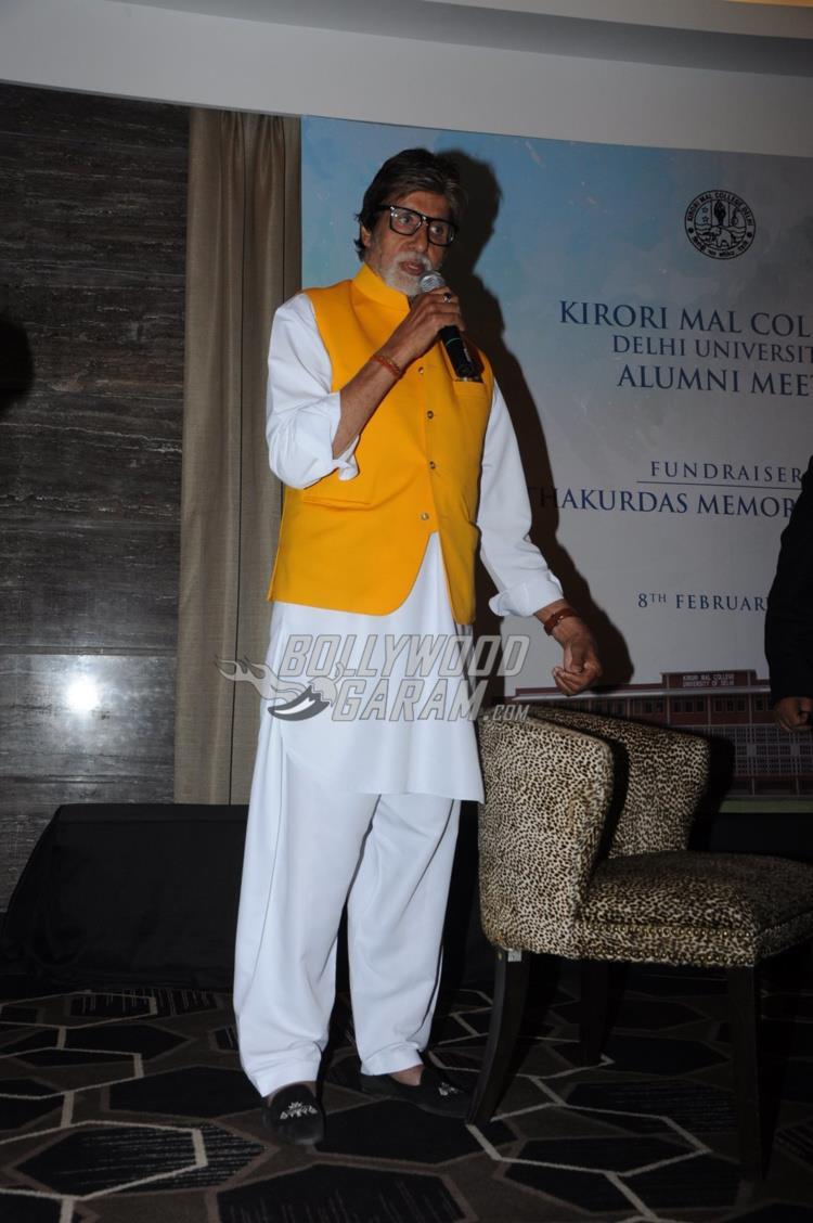 Amitabh Bachchan interacts with audience at Kirori Mal College Alumni meet