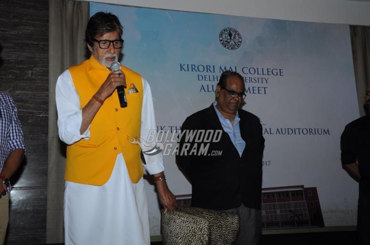 Amitabh Bachchan and Satish Kaushik at Kirori Mal College Alumni meet