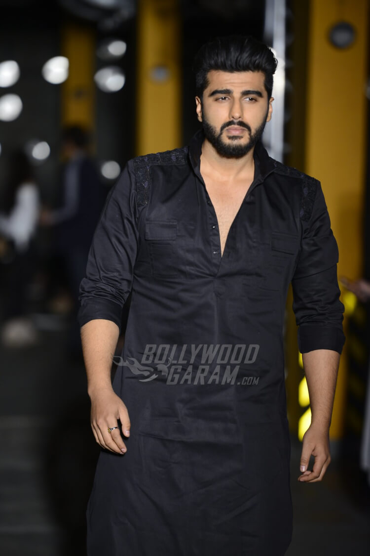 Arjun-Kapoor-Kunal-Rawal-Lakme-Fashion-Week-20172