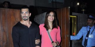 Bipasha Basu and Karan snapped on a dinner date! Pics
