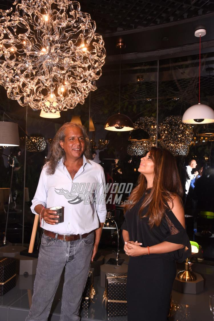 Vikas Gandhi and Gauri Khan at TISVA signature collection launch event