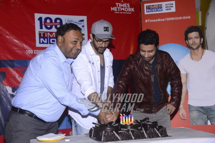 Hrithik Roshan cuts a cake at Times Now celebration event