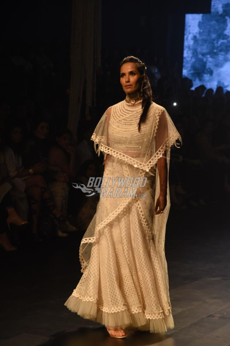 Padma Lakshmi walks the ramp for Tarun Tahiliani at LFW Summer /Resort 2017