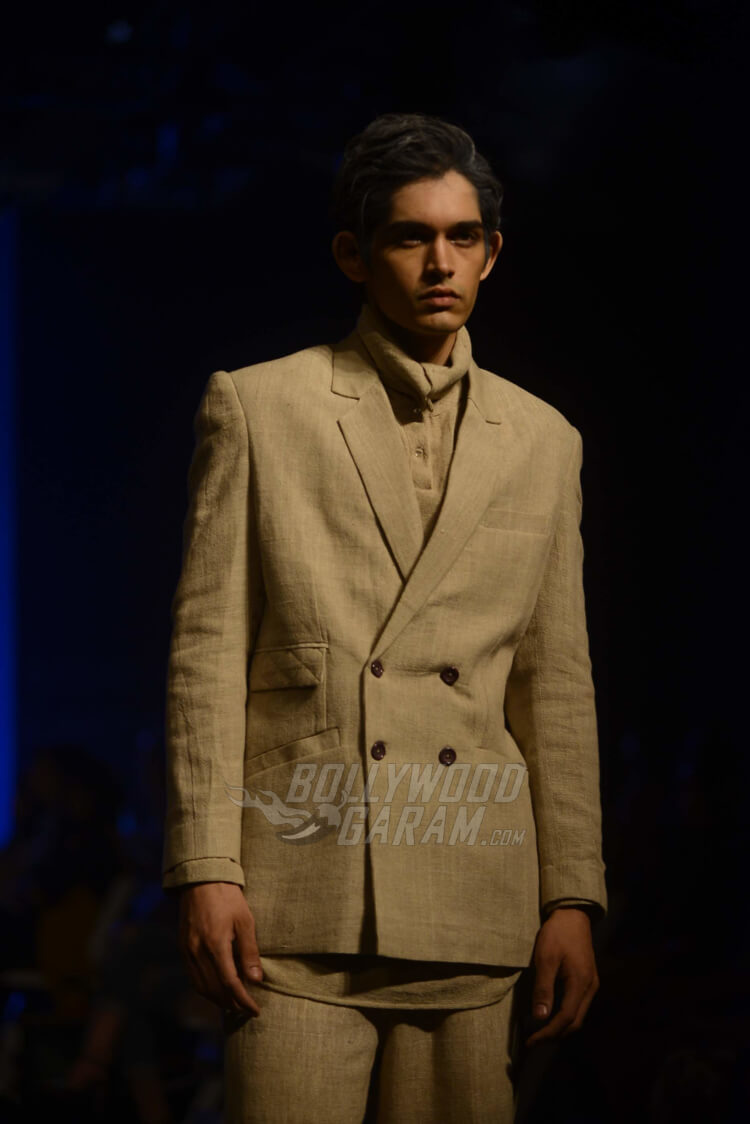 Lakme-Fashion-Week-2017-Anuj-Bhutani2