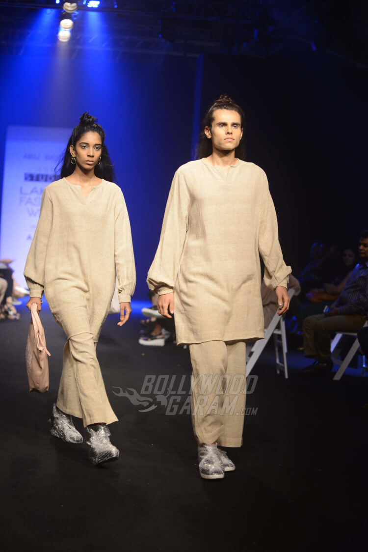 Lakme-Fashion-Week-2017-Anuj-Bhutani5