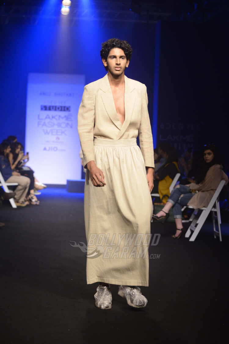 Lakme-Fashion-Week-2017-Anuj-Bhutani6