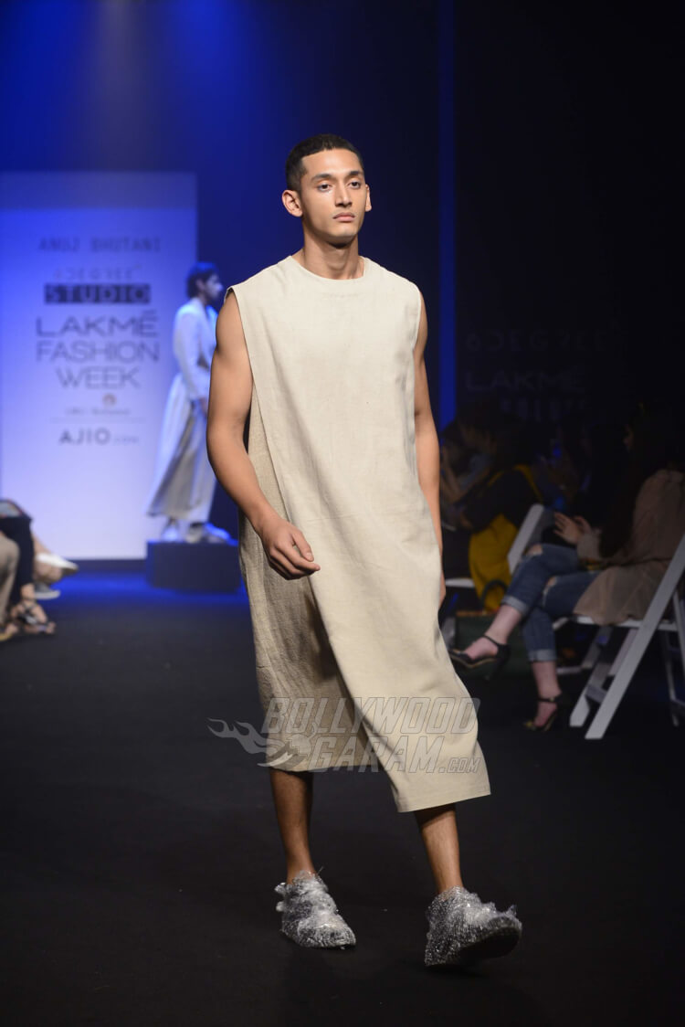 Lakme-Fashion-Week-2017-Anuj-Bhutani8