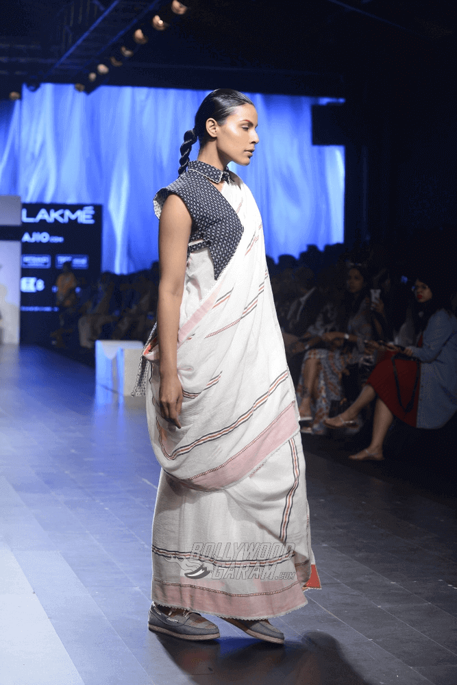 Lakme-fashion-week-2017-Soumodeep-Dutta-Collection-37 (1) (1) (1)