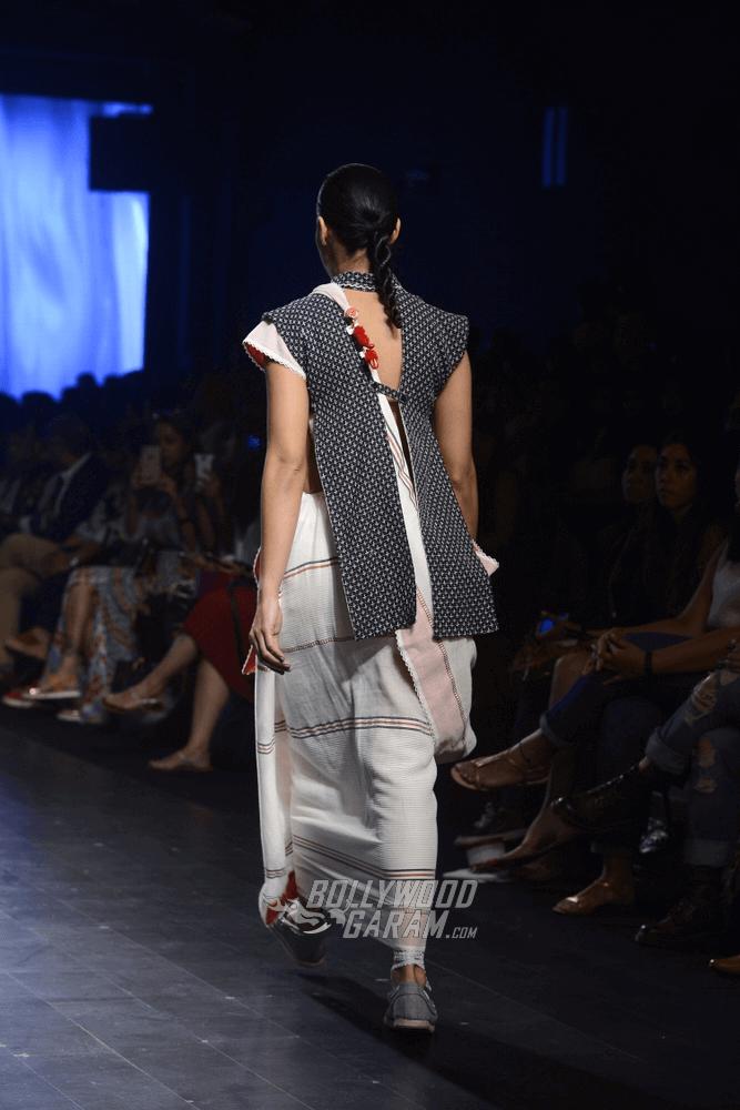 Lakme-fashion-week-2017-Soumodeep-Dutta-Collection-38 (1)