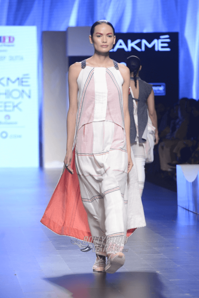 Lakme-fashion-week-2017-Soumodeep-Dutta-Collection-40 (1)