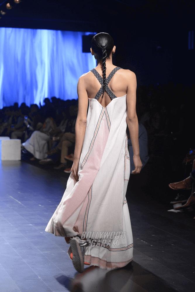 Lakme-fashion-week-2017-Soumodeep-Dutta-Collection-51 (1)