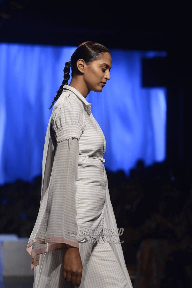 Lakme-fashion-week-2017-Soumodeep-Dutta-Collection-7 (1)