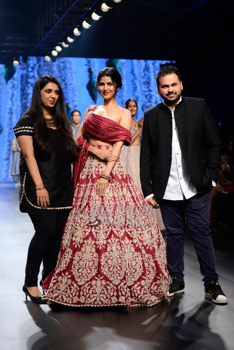 Nimrat Kaur with designers Sonam and Paras Modi at Lakme Fashion Week Summer/Resort 2017 day 3