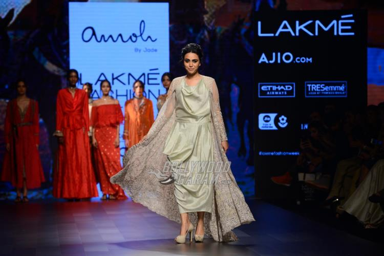 Swara Bhaskar walks the ramp for Amaat at Lakme Fashion Week Summer/Resort 2017