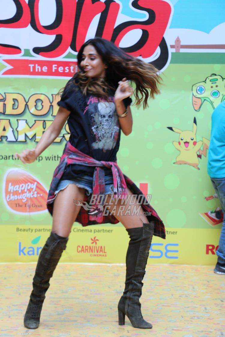 Monica Dogra shakes a leg at college fest