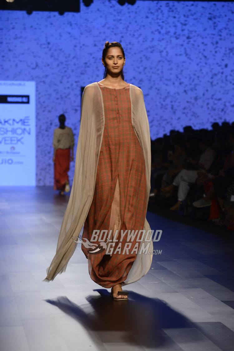 Noushad-Ali-Lakme-Fashion-Week-2017-2